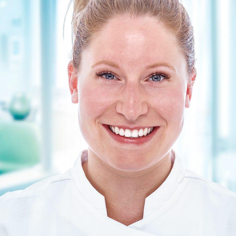 Kim IJzerman tandarts van de veer